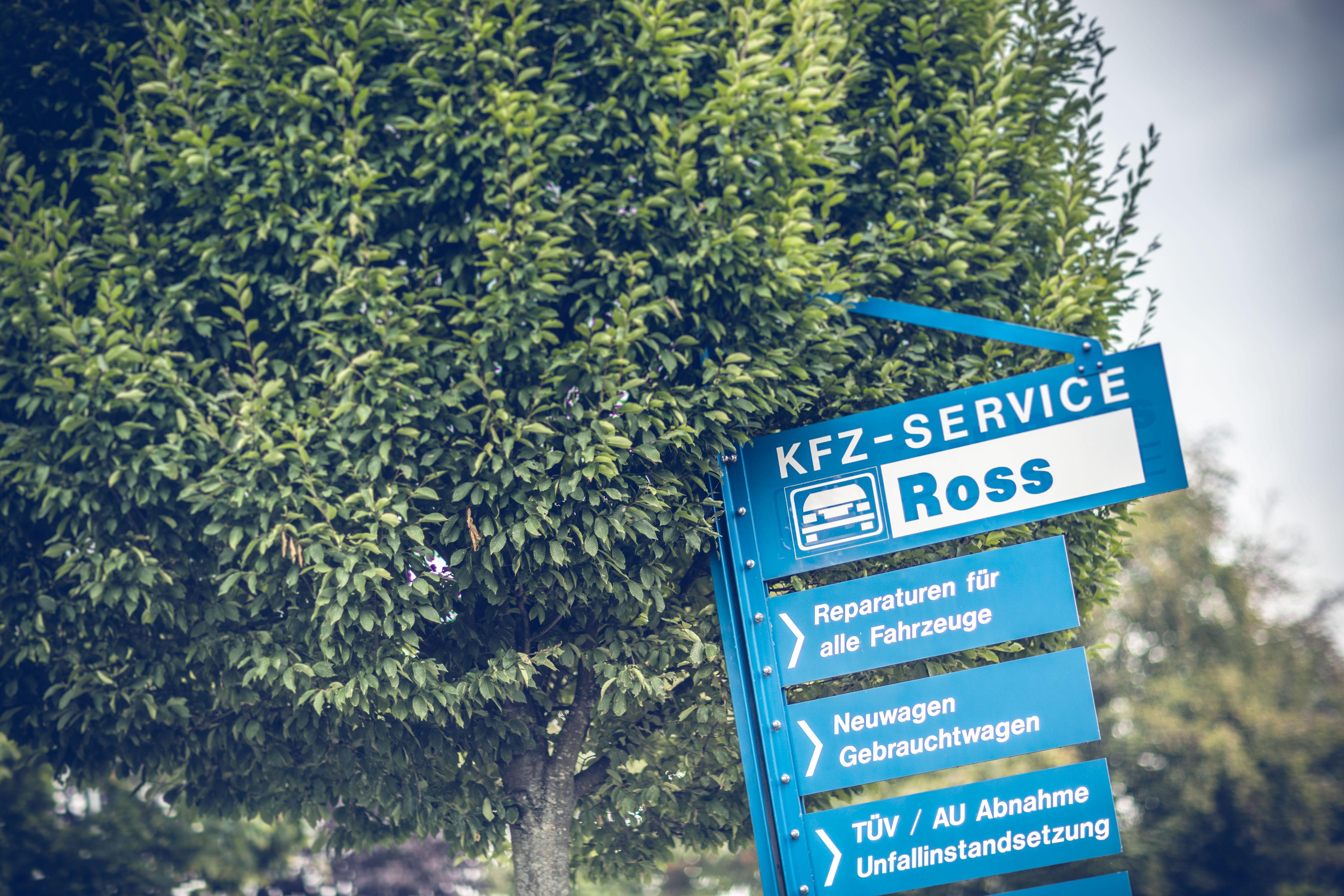 Autoservice Schild der KFZ Werkstatt Ross in Hiddingsel